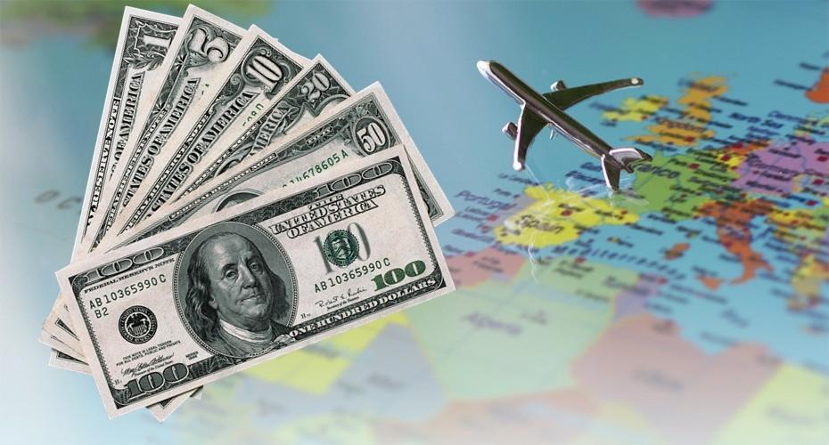 AFIP confirmó cómo se pagará el impuesto del 30% al dólar turista