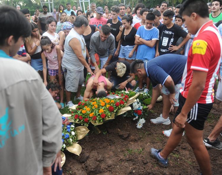 Despidieron los restos del joven asesinado por el