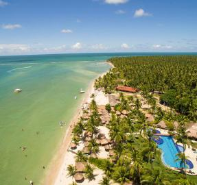 Praia dos Carneiros: una iglesia sobre una playa paradisíaca en Brasil