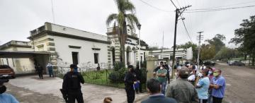 Se opusieron al aislamiento de obreros en un hospital del sur