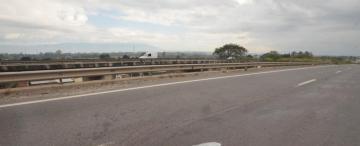 Tragedia en la avenida de Circunvalación: lo habrían hecho caer de la moto para robarle