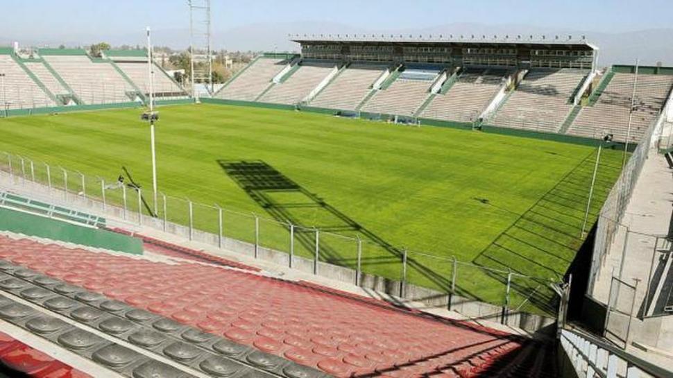 """UN LUGAR DE CALIDAD. El estadio """"Padre Martearena"""" ya albergó numerosos partidos nacionales e internacionales."""