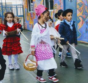 La Patria en las aulas: la mazamorrera y el aguatero, en peligro de extinción