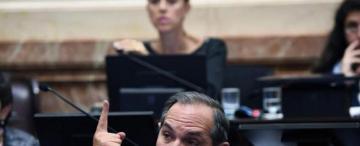 La causa de Alperovich debe ir a la Justicia porteña, según Casal