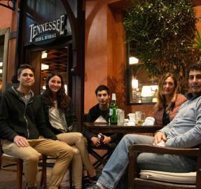 Yerba Buena: Los bares reabren y con mucha aceptación