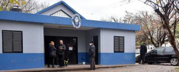 Alojan presos en las oficinas porque no hay lugar en las comisarías