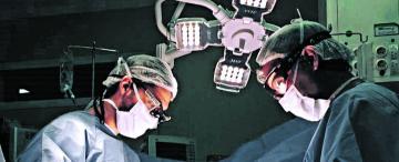 Autotrasplante: una cirugía inédita para salvarle el riñón a un tucumano