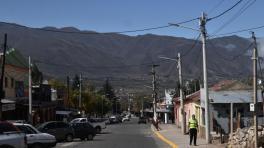 El Gobierno analiza reabrir el turismo interno para mover la economía