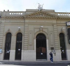"""Biblioteca Alberdi: """"No debemos dejar que la institución se muera"""""""