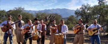 En fecha patria: Tucumán florece en el canto de Los Pucareños