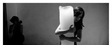 Performances, fotos y pinturas de Sol Rodríguez Díaz desde miradas queer