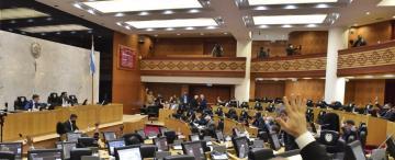 Los motivos por los que 10 legisladores coinciden con que se debe sostener la fase 5