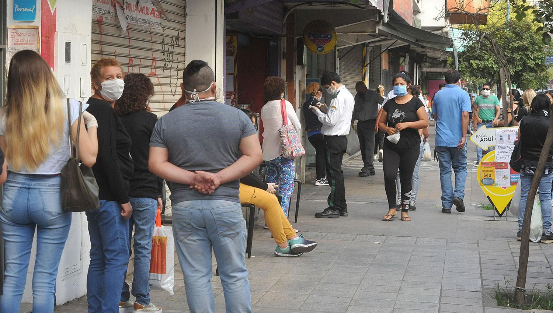 Argentina supera las 3.300 muertes por coronavirus