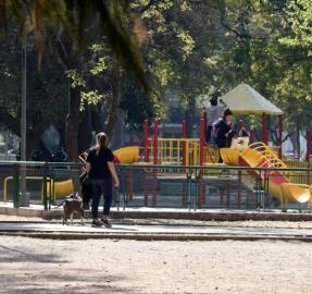 Volver al aislamiento: cómo viven los chicos las restricciones a las salidas recreativas
