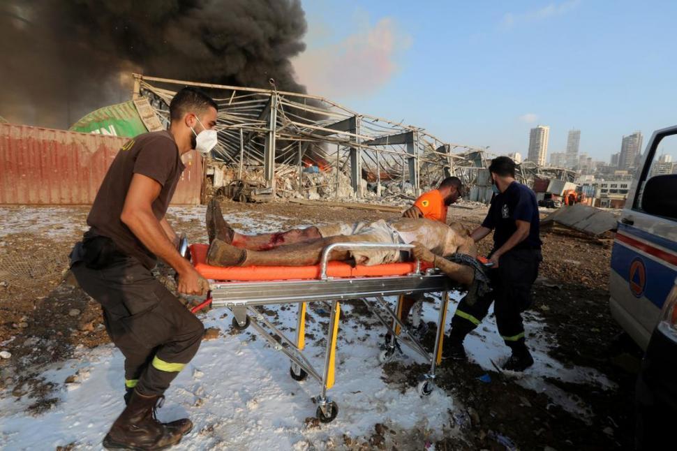Videos muestran el momento exacto de la enorme explosión — Beirut