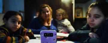 Tres de cada 10 docentes tienen un solo celular en su hogar