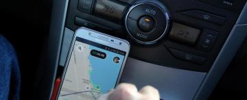 En la Capital estudiarán un marco normativo para Uber