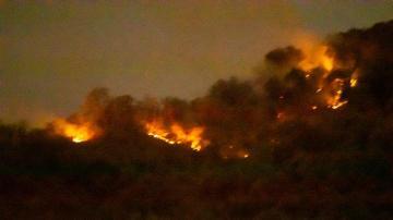 Un incendio al sur de la hostería mantiene en vilo a San Javier