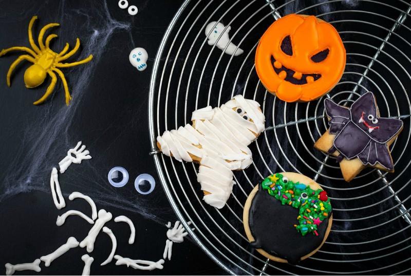 Halloween: los niños tucumanos se suman al festejo con disfraces, dulces y galletas