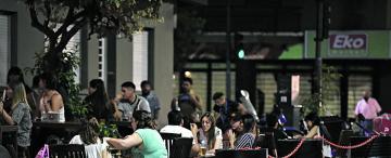 Los bares tomaron las calles