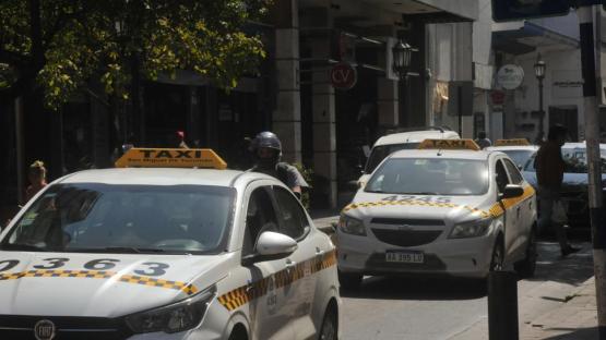 Los taxistas reclamaron por la suba de tasas municipales