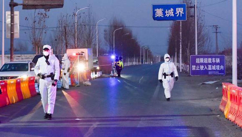China cierra una ciudad tras detectar brote de Covid-19
