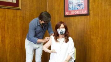 Cristina Kirchner recibió la primera dosis de la vacuna rusa contra el coronavirus