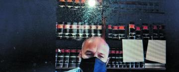 """Escándalo en la Policía: """"no le pegué un cabezazo: él golpeó su rostro contra mi ceja"""""""