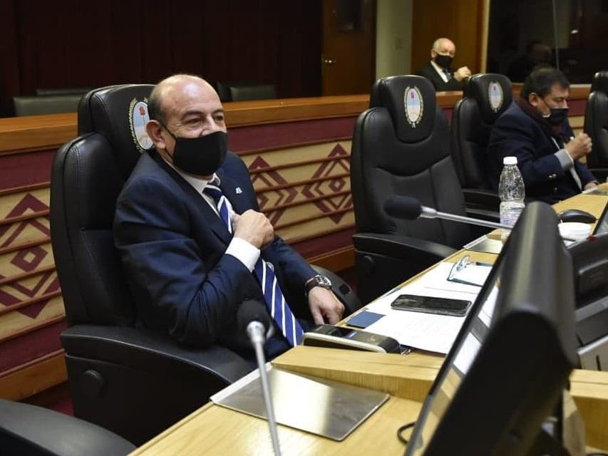 EN LA BANCA. Carlos Francisco Gómez, legislador del bloque Justicialista de Todos. Foto: Twitter @cachogomeztuc
