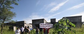 Los vándalos destruyen un barrio del IPV en Concepción