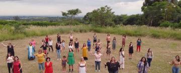 Cantar fuerte para empezar a perderle el miedo a la violencia de género
