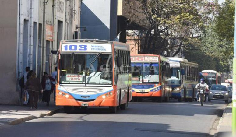 Hacia la siesta de mañana comenzarían a circular los ómnibus, según el titular de UTA