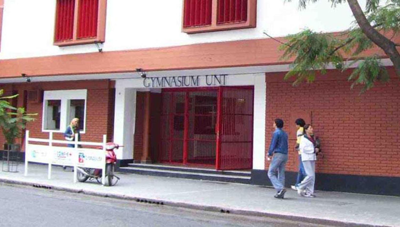 25 DE MAYO 621. Gymnasium Universitario. Foto de Archivo