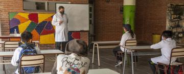 La grieta porteña por las clases cala hondo en Tucumán