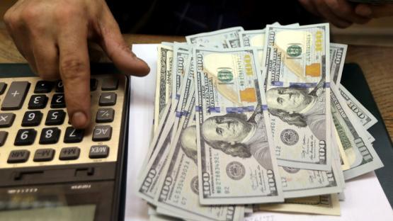 Entre el dólar y los plazos fijos: ¿qué conviene en esta competencia financiera?