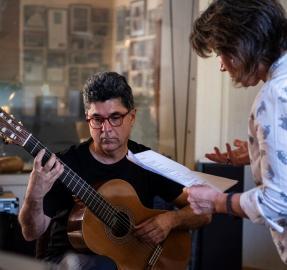"""Alberto Rojo: """"transitar de la física a la música es para mí como cambiar de instrumento"""""""