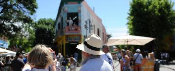 Para desalentar la movilidad del turismo la Nación elimina el feriado puente del 24