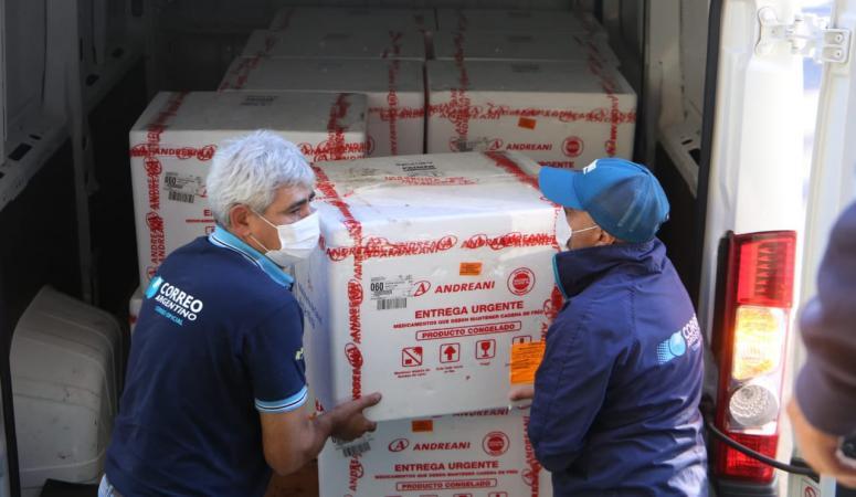 Tucumán recibe 18.600 dosis de Sputnik V para vacunar a personas de entre 55 y 59 años