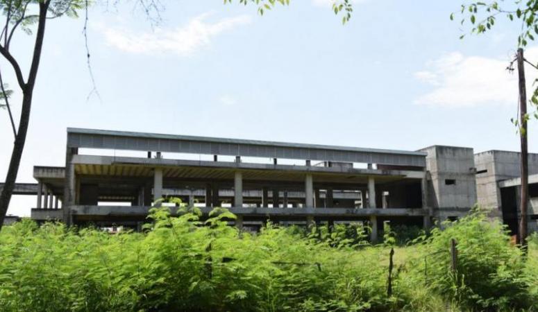 Retomarán las obras del nuevo edificio de la Facultad de Bioquímica, Química y Farmacia