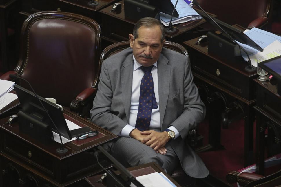 EX GOBERNADOR. El senador José Alperovich en la banca en la que se sentaba antes de ser denunciado.