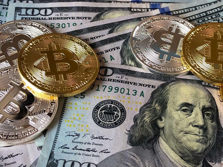En menos de tres minutos te explicamos por qué bajó el Bitcoin