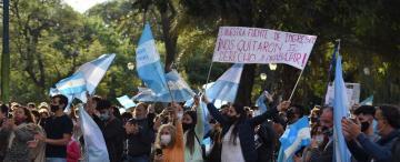 Manifestaciones contra las restricciones: clamaron por el derecho a trabajar