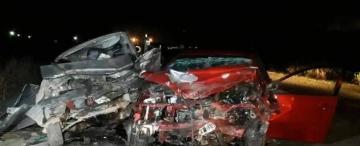 Dos muertos y un herido en un choque frontal en La Trinidad
