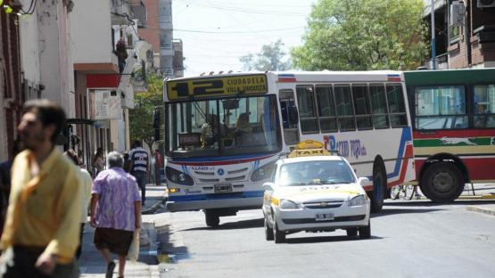 A tener en cuenta: desde el lunes rigen las nuevas tarifas del ómnibus y del taxi