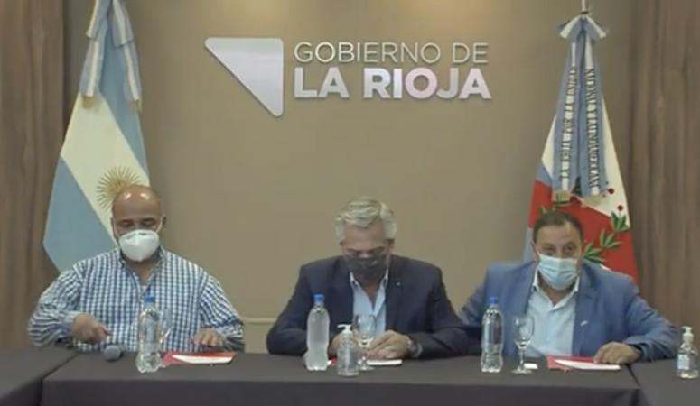 En la Rioja, Manzur se probó el traje de jefe de gabinete ante gobernadores
