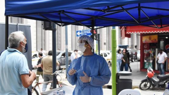 Tucumán sumó este jueves tres muertes y 105 nuevos casos por coronavirus