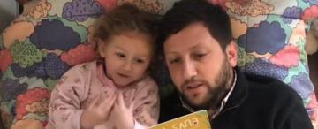 Un papá que conectó la crianza con los cuentos para niños
