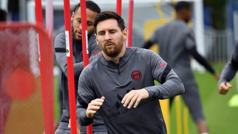 Messi volvió a entrenar y jugaría mañana ante Manchester City