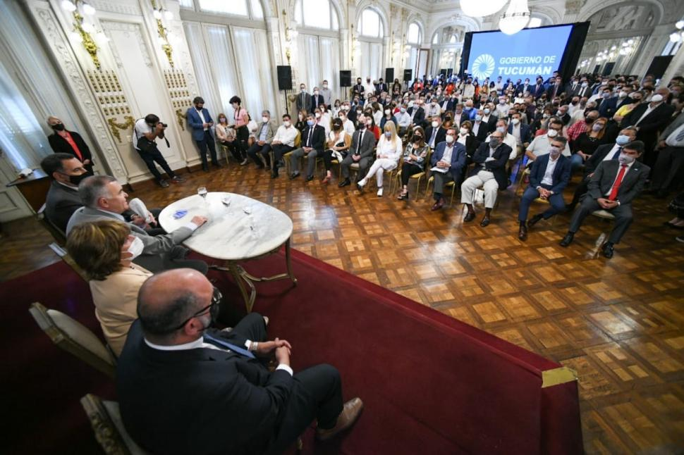 CON TODO EL GABINETE. Jaldo traza los lineamientos generales de lo que será su gestión de Gobierno.