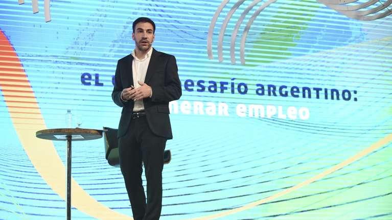 El economista Santiago Bulat en IDEA